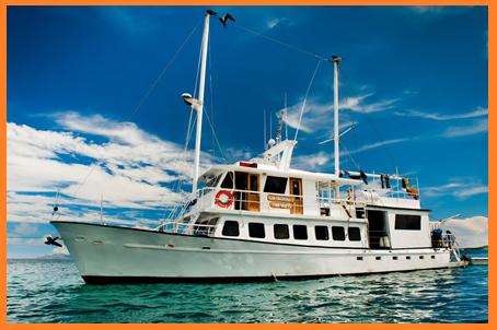 GALAPAGOS ISLANDS TOURS GOLONDRINA YACHT